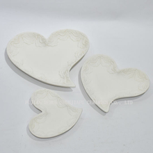 New Design, White Love Heart Shape Cake Plate for Party/Home Decoration